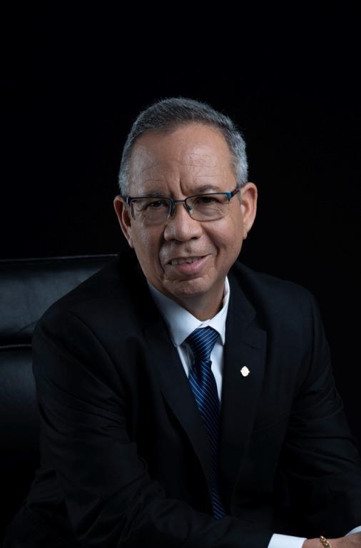 Republic Bank (Grenada) bids Farwell to Outgoing Managing Director, Keith Johnson