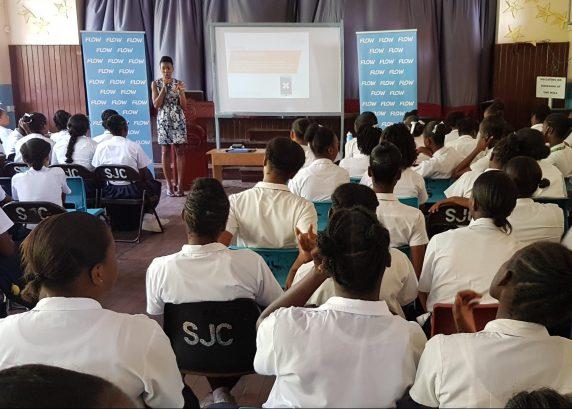Flow hosts Safer Internet Usage Workshop for Teenagers